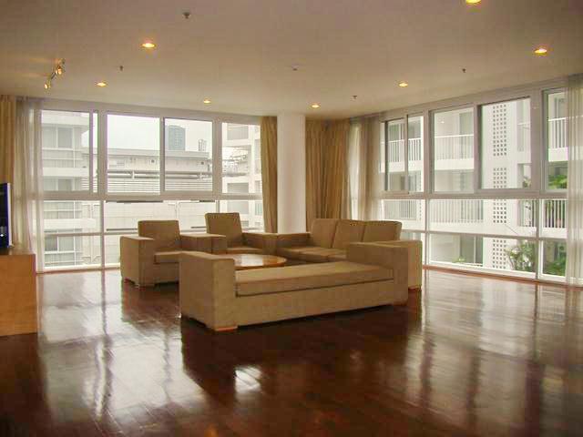 Modern style apartment at Ekamai Gardens bangkok